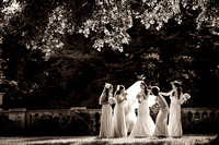 Artisitic bride-and-bridesmaids-BW